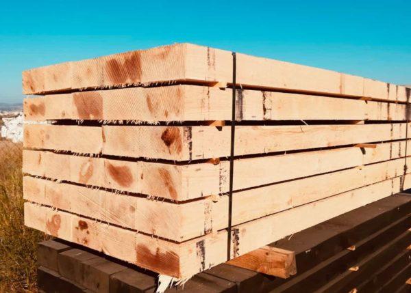 Traviesas de madera maciza de roble robusto